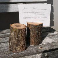 Dřevěný stojánek na menu