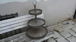 Etažér 3 patra kov + dřevo, v 75 cm-1