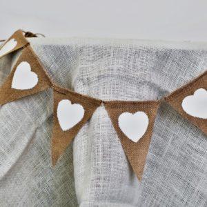Girlanda jutová bílá srdce, k dispozici 60 ks