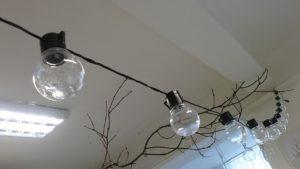 Světelný řetěz žárovky černé 5m, 20 žárovek 5,5cm, možno zapojovat za sebe