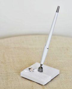 Svatební pero se stojánkem, bílé