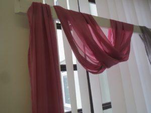 Textilie - šifon na slavobránu, stůl, tmavě růžová, 5m
